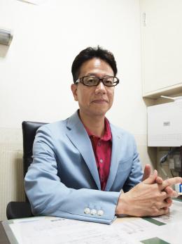 代表取締役 桑原広行 写真